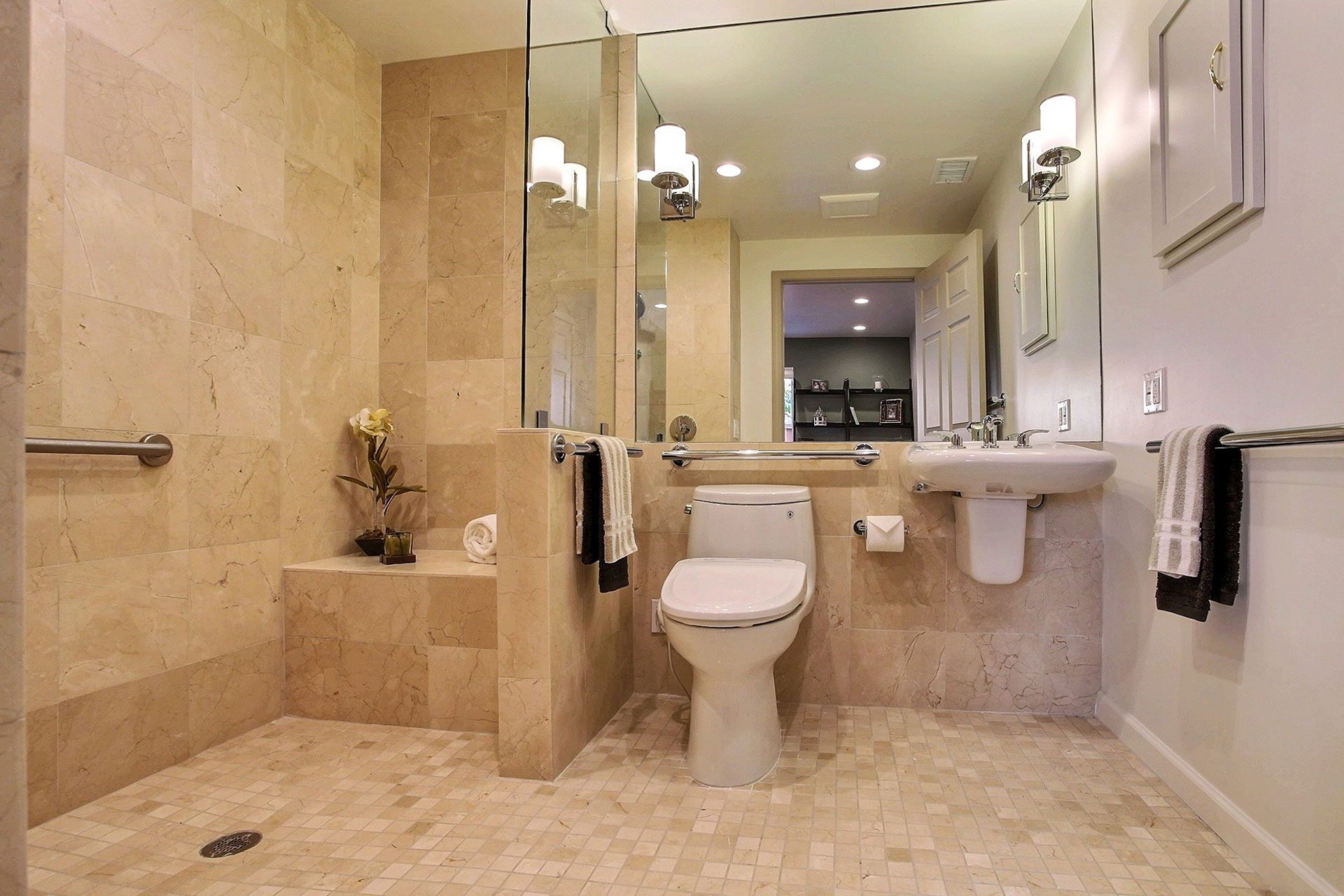 Bathroom remodeling gordon reese construction inc for Bath remodel lafayette la