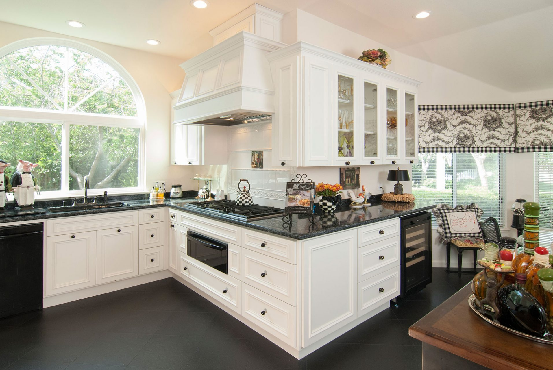 Pleasanton Black Amp White Kitchen Remodel Grci Gallery