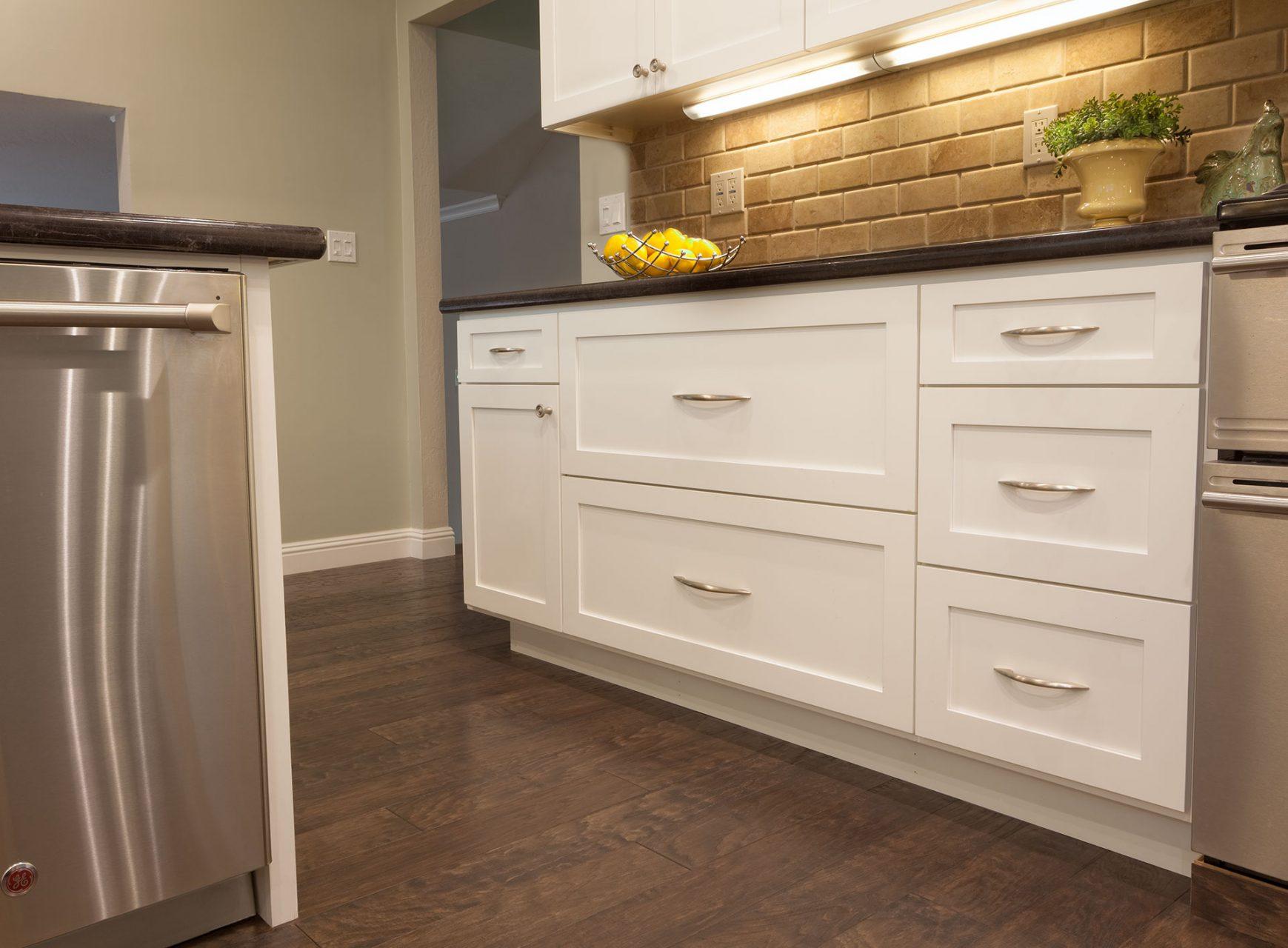white kitchen drawers